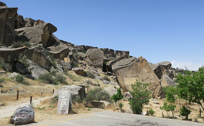 12_gobustan_nationalpark_aserbaidschan_2018-06-01_6630